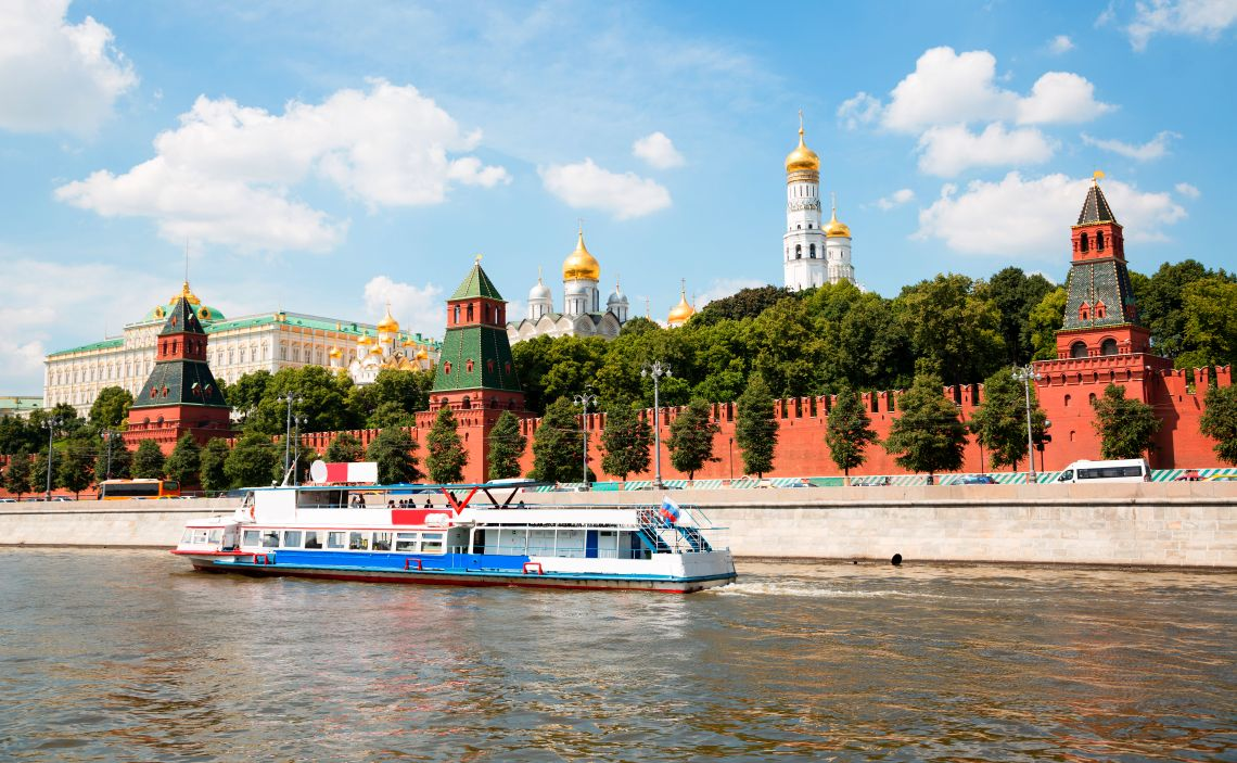Bootsfahrt auf dem Moskwa-Fluss